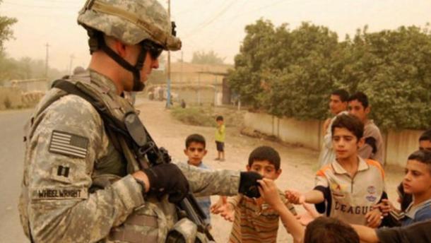 Sean Wheelwright in Iraq/CBS News